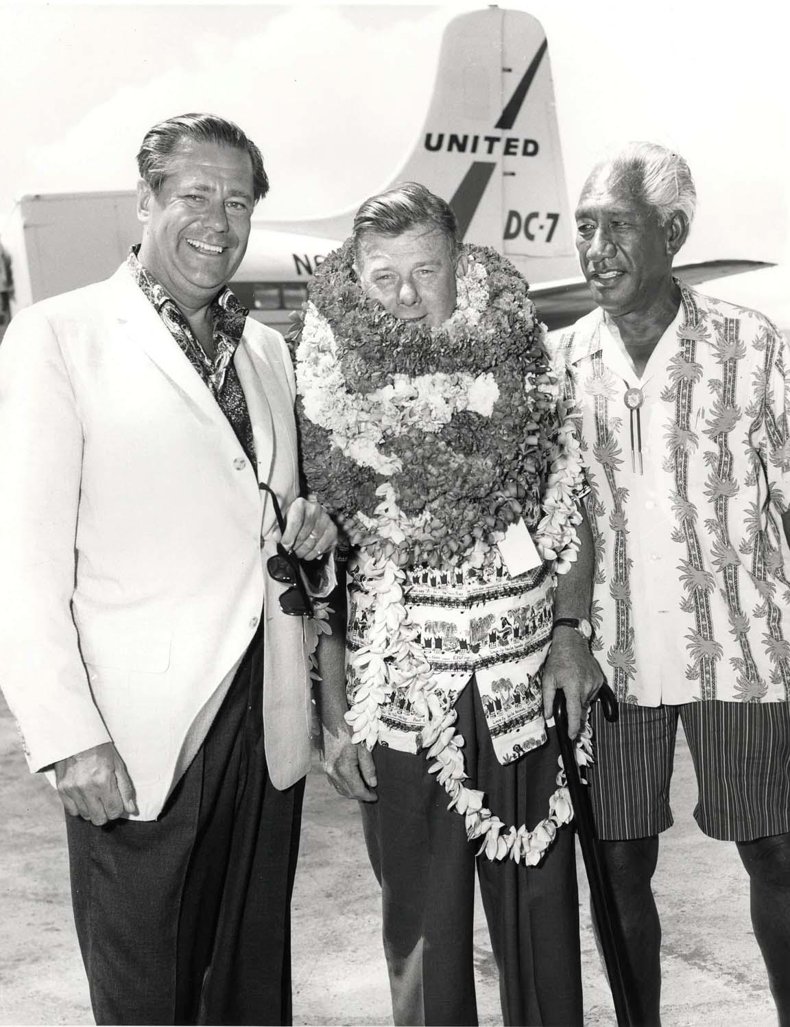 Hawaii aviation hnl 1960s photo of entertainer arthur godfrey at honolulu international airport on july 12 1964 kristyandbryce Gallery