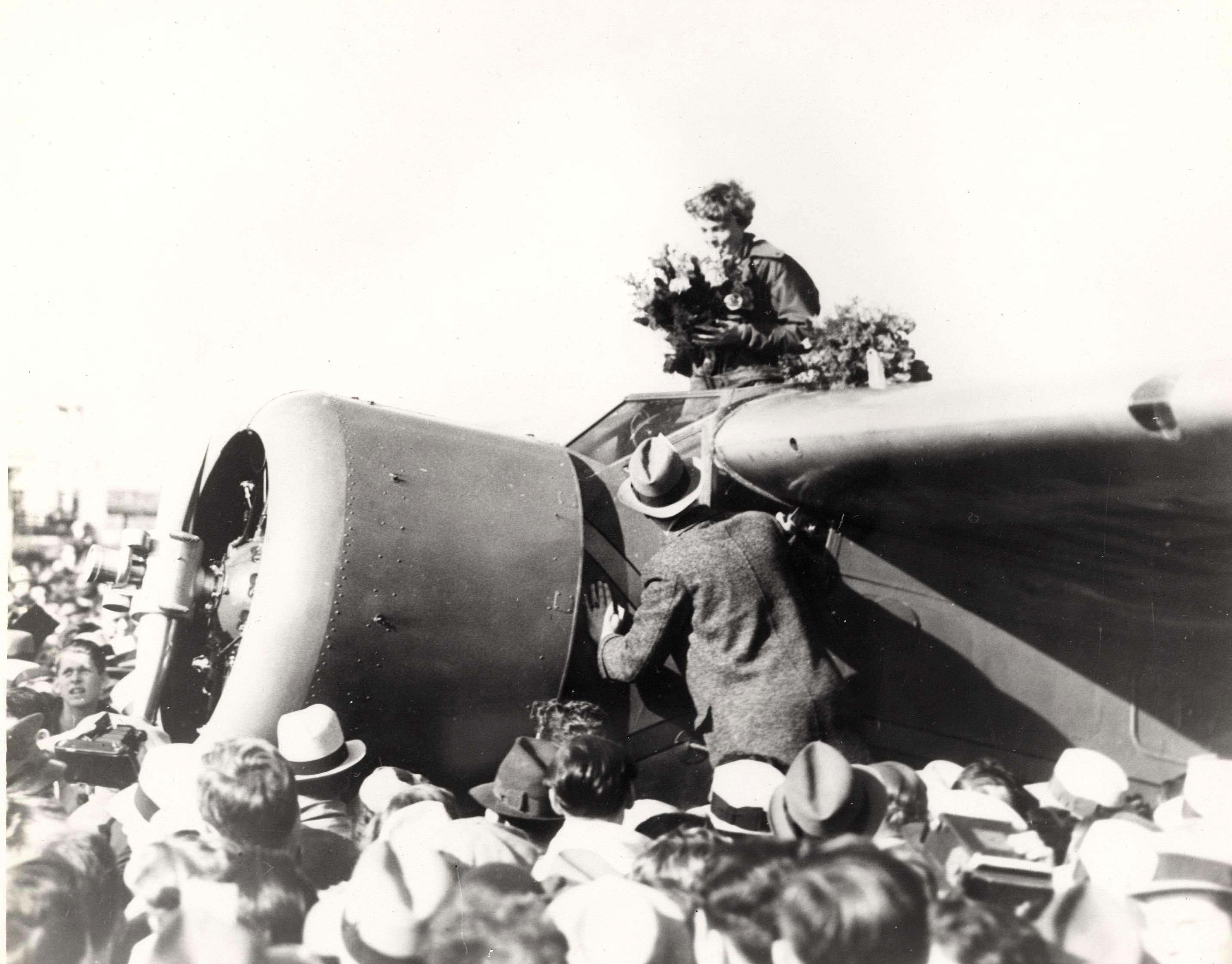 Image result for in 1935 amelia earhart becomes the first woman to fly solo  across the pacific