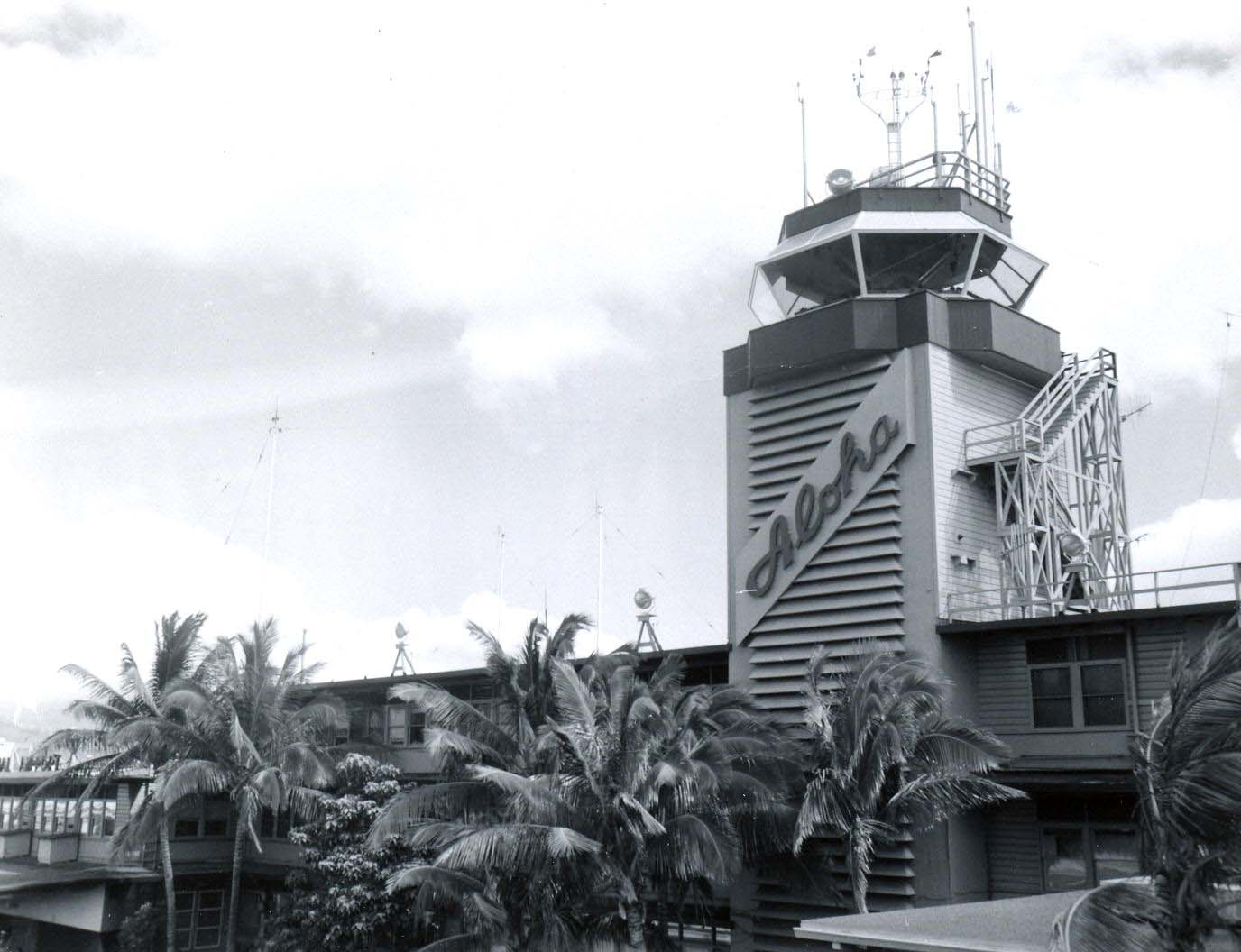 Hawaii aviation hnl 1950s 1950s photo of the hnl tower sciox Gallery
