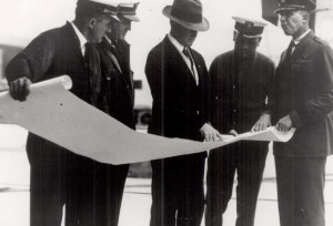 Adm. William H. Moffett confers with pilots of the inaugural Navy flight from California to Hawaii on August 26, 1925. From left, Botta, US Navy; LCDR Strong, USN; RADM Moffett, USN; Lt. Davidson, USN; and Commander John Rodgers, USN.
