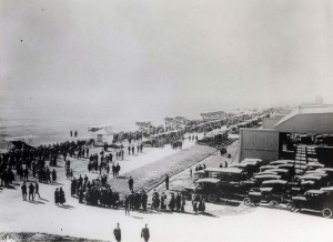 Thousands of people waited at Wheeler Field for the arrival of Lts. Lester Maitland and Alfred Hegenberger. They arrived at 6:29 a.m. on June 29, 1927. They had flown 2,425 miles in 25 hours and 49 minutes.