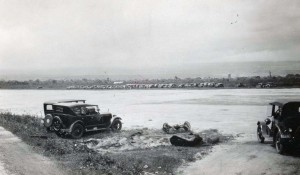 Awaiting expected arrival of first plane to land on Hilo Field, January 30, 1928 (plane did not arrive this date).