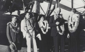 Amelia Earhart boards an interisland plane. She is pictured with Paul Mantz, California pilot; George Putnam, her husband; Mrs. Mantz; and Stanley Kennedy, president of Inter-Island Airways, January 5, 1935.