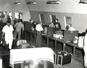 Customs inspection at Honolulu International Airport, 1959.