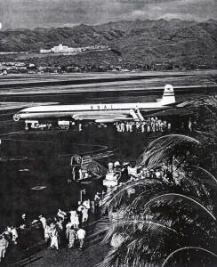BOAC British Comet at Honolulu International Airport, 1955.