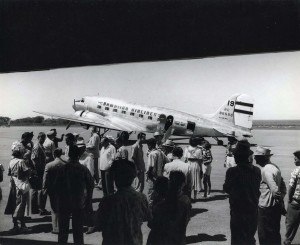 Passengers boarding Hawaiian Airlines planes at Honolulu International Airport.