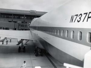 First Pan American flight at Honolulu International Airport, January 22, 1970.