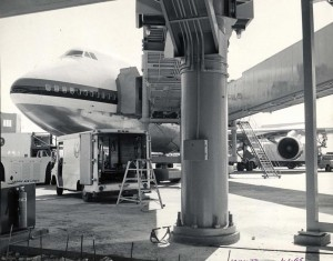 Japan Airlines at Honolulu International Airport, March 30, 1973.