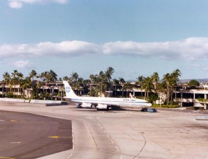 Pan American Airways Boeing 707 at Honolulu International Airport, 1975.