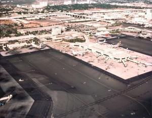 Central Concourse, Honolulu International Airport, December 1980.
