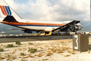 United Air Lines aborted takeoff, showing emergency exit chutes, Honolulu International Airport, November 16, 1984.