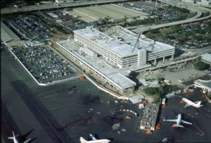 Construction of Interisland Terminal, Honolulu International Airport, 1991.