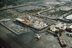 Construction of new Interisland Terminal, Honolulu International Airport, 1991.