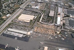 Construction of Interisland Terminal, Honolulu International Airport, January 1991.
