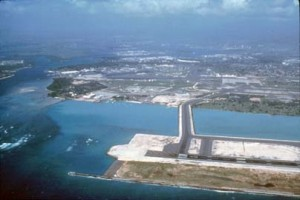 '90s Reef Runway