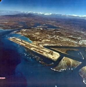Reef Runway and Honolulu International Airport, January 31, 1995.