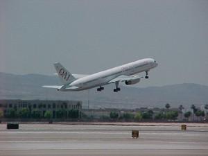 An Omni Air 757 during take off