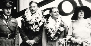 Photo of Lt Hegenberger and Lt Maitland being honored on their arrival on Oahu