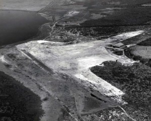 John Rodgers Airport, Honolulu, 1928. Note two buildings in middle right of photo.