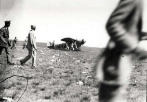 Dole Derby runnerup Martin Jensen's Aloha plane lands at Wheeler Field, August 17, 1927.