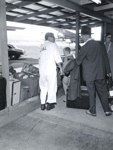 Baggage claim at Honolulu International Airport, 1950s.