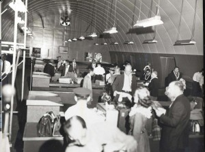 1950s HNL International Arrivals 02