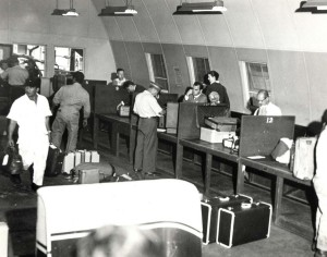 Customs inspection at Honolulu International Airport, 1959.