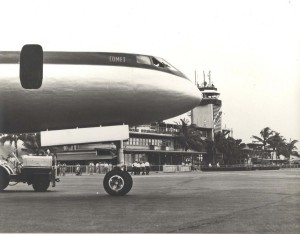 Comet at Honolulu International Airport, 1950s.