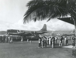 United Air Lines plane at Honolulu International Airport, 1950s.
