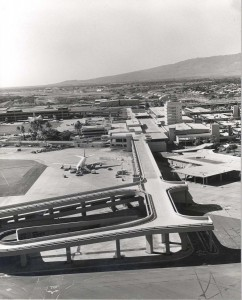 With the Diamond Head and Ewa Gull wings at Honolulu International Airport finished, the Central Concourse had yet to be built, 1960s.
