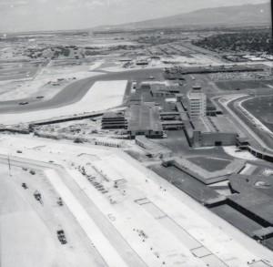 Construction progress at the new Honolulu International Airport, 1962.