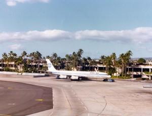 Pan American Airways Boeing 707 at Honolulu International Airport, 1975.