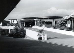 Honolulu International Airport walkway to Terminal, 1970s.