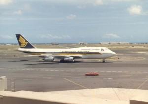 Singapore Airlines at Honolulu International Airport, 1986.