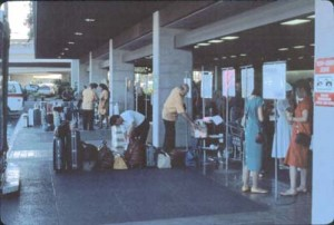 Group Tour Area, International Terminal, Honolulu International Airport, 1987.