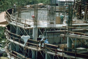 Construction of Interisland Terminal, Honolulu International Airport, August 1990.