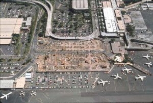 Construction of Interisland Terminal, Honolulu International Airport, January 1991.