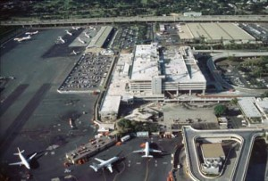 Construction of Interisland Terminal, Honolulu International Airport, 1992.
