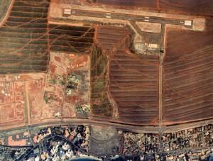 Kapalua Airport, West Maui, Hawaii, November 3, 1999.