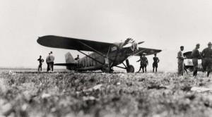 Dole Derby runnerup Martin Jensen's Aloha at Wheeler Field, August 17, 1927.